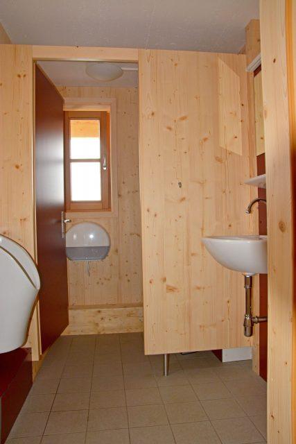 Erdgeschoss Gäste-Toilette Herren