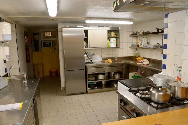 Küche – Blick vom Eingang
