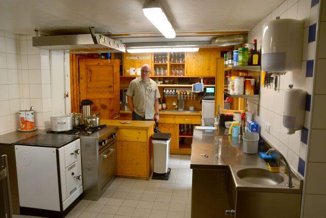 Küche – Blick zum Eingang